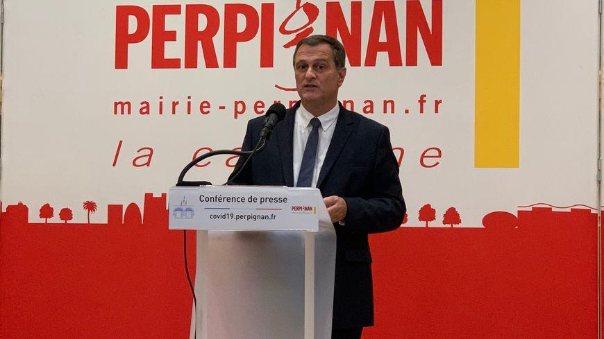Le maire de Perpignan estime que les petits commerces sont injustement traités avec ce re-confinement.