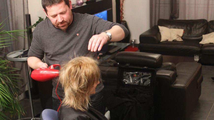 recherche coiffeur homme a domicile