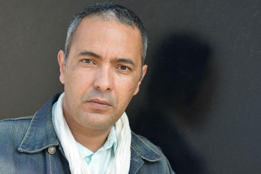 Kamel Daoud en 2019. Durant la décennie 1990-2000, il a été rédacteur en chef au Quotiden d'Oran.