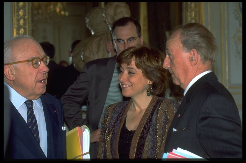 Au premier plan : les conseillers constitutionnels Georges Abadie, Noëlle Lenoir et Jacques Robert en mars 1995.
