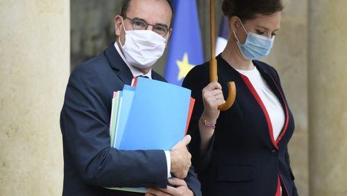 Emmanuel Macron et Jean Castex passent à la vitesse supérieure face au Covid-19