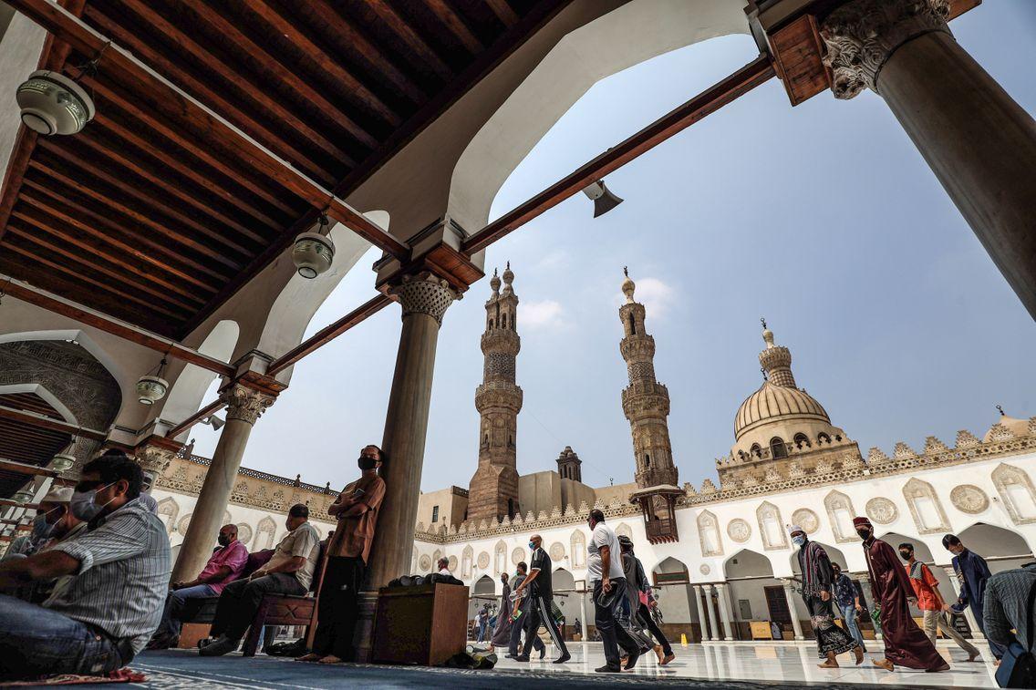 La mosquée Al-Azhar, au centre du Caire, est une institution connue dans l'ensemble du monde musulman, même si cette religion n'a pas de « centre » ou de « Vatican » comme pour les catholiques.