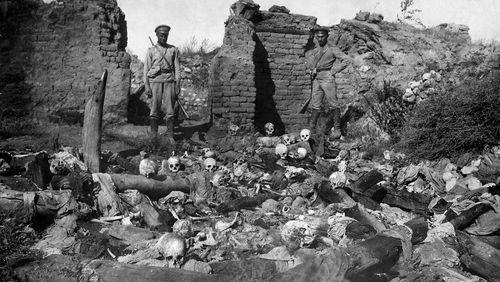 Comprendre le génocide des Arméniens : de 1915 à 2015