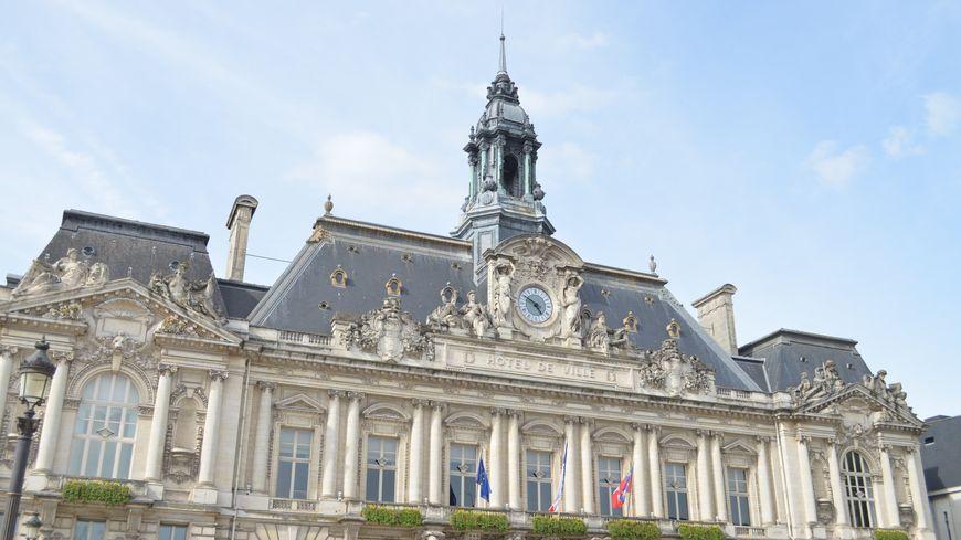 L Indre Et Loire Passe En Alerte Maximale Covid Couvre Feu Sur Tout Le Departement