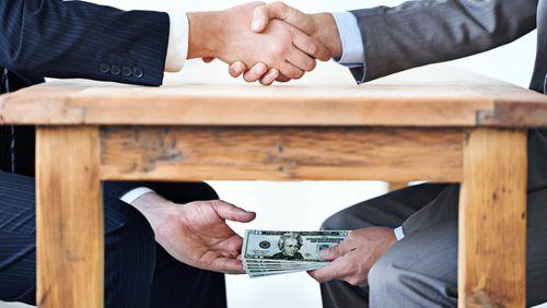 """Toujours trop peu de """"gestes barrières"""" contre la corruption"""
