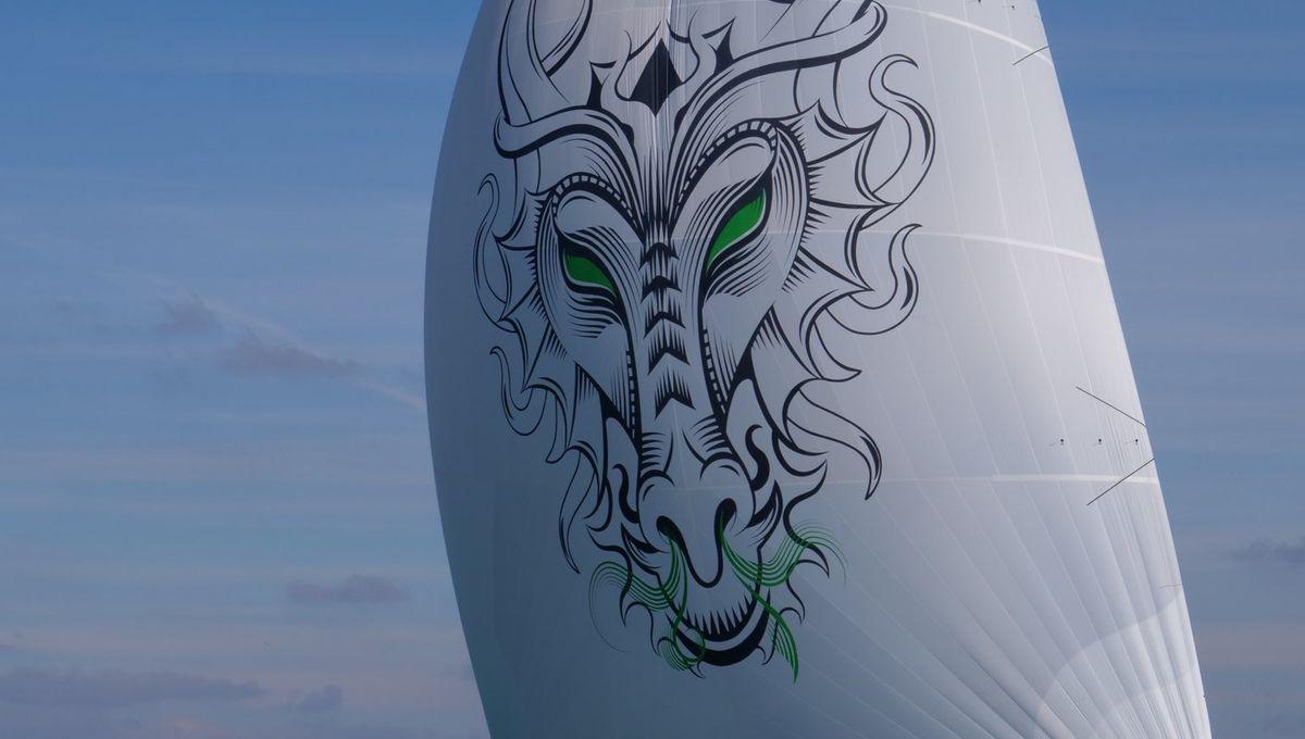 Video Decouvrez L Histoire Du Dragon Figurant Sur Le Bateau Du Skipper Du Vendee Globe Maxime Sorel