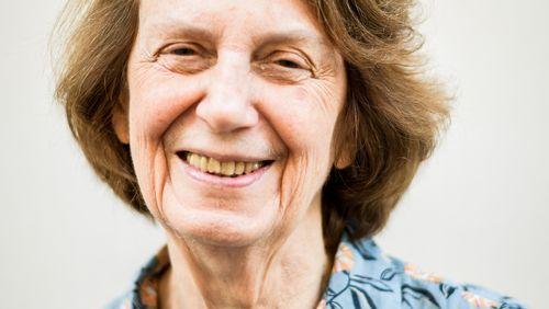 """Épisode 69 : Catherine Larrère : """"La collapsologie est un renoncement à agir, un refuge, un refus de penser la diversité des possibles"""""""