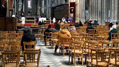 Cérémonies religieuses en temps de Covid : le Conseil d'Etat désavoue le gouvernement