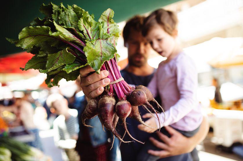 A L'Ecole comestible : manifeste pour une éducation alimentaire