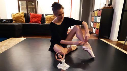Anaïs Maurer : de Wuhan à Milan, la vie d'une ballerine bouleversée par le Covid