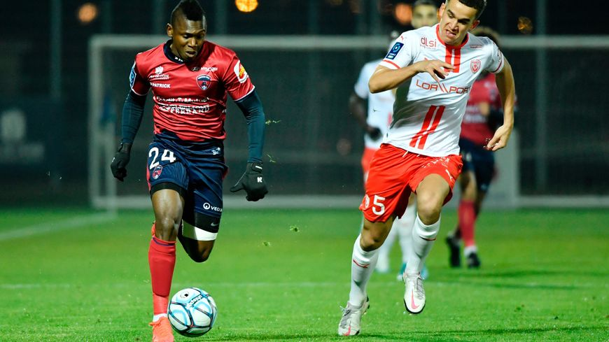 Ligue 2 : l'ASNL coule à pic et s'incline à Clermont (2-0)