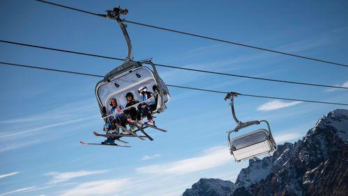 Controverse européenne sur le ski cet hiver : une pente glissante