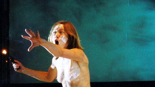 """Épisode 8 : Valérie Dréville : """"Le corps possède une mémoire affective, on a beaucoup à apprendre, nous acteurs, des chorégraphes et des danseurs"""""""