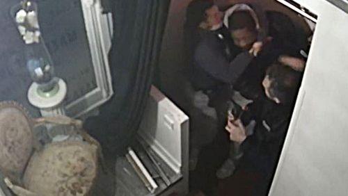 """En garde à vue, les trois principaux policiers mis en cause ont fini """"par admettre que les coups portés [à Michel Zecler] n'étaient pas justifiés"""""""