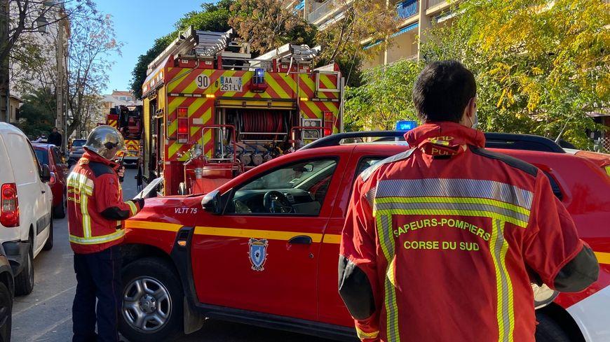 Les pompiers mobilisés quartier du Sacré-Cœur à Ajaccio pour une
