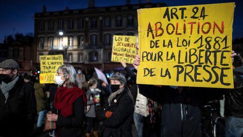 France : Covid, loi de sécurité globale... l'ère du soupçon ?
