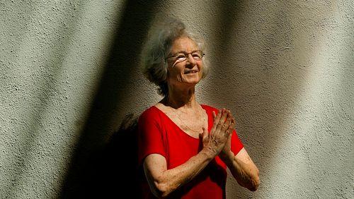 """Épisode 5 : Simone Forti : """"En France on commence à voir que l'improvisation est une vraie recherche, une forme de danse qui a sa rigueur"""""""