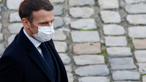 """Producteur passé à tabac par des policiers : des """"images qui nous font honte"""", a réagi Emmanuel Macron"""