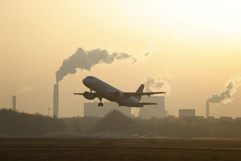 Selon l'ONU, les mesures de sauvetage et de relance économiques ont principalement soutenu cette année des secteurs intensifs en carbone, comme l'aéronautique