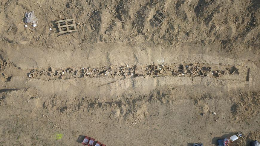 14 corps de Poilus ont été découverts lors des fouilles archéologiques menées au Châtelet-sur-Retourne pendant l'été 2020