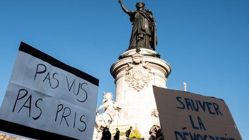 """Journée de manifestations pour les """"droits sociaux"""", les """"libertés"""" et les """"justices"""", l'exécutif sous pression"""