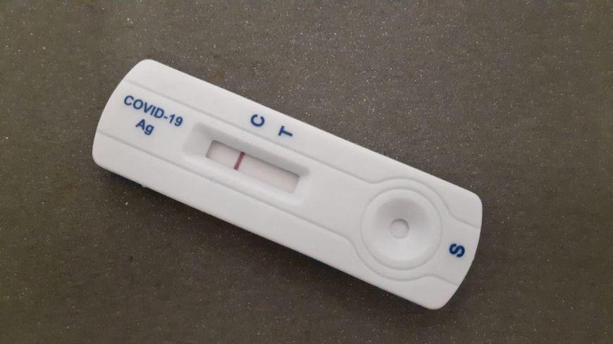 Les tests antigéniques sont-ils fiables ? Le maire de Rochepaule a de sérieux doutes