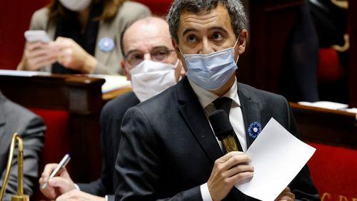 """Loi """"Sécurité globale"""" : Emmanuel Macron et la majorité promettent de réécrire l'article 24 controversé, Gérald Darmanin face aux députés"""