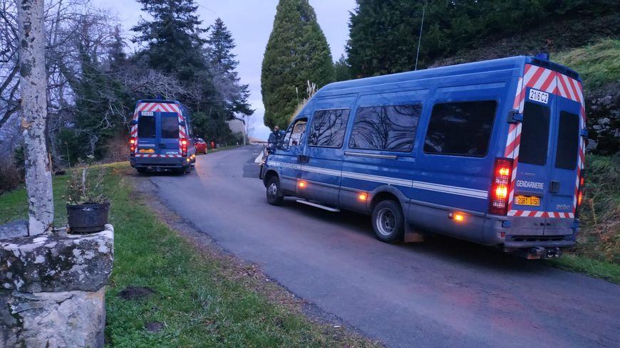 L'homme a été retrouvé mort dans son véhicule à proximité des lieux du drame.