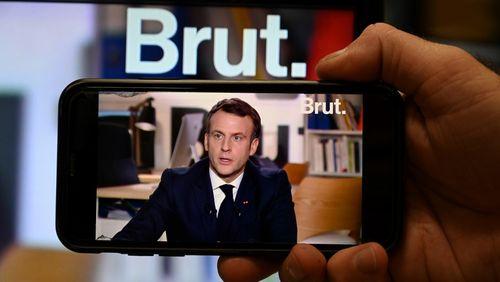 """Emmanuel Macron : """"Je ne peux pas laisser dire qu'on réduit les libertés en France"""""""