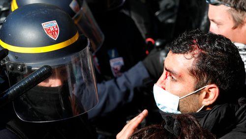 Les forces du désordre : CRS et manifestants