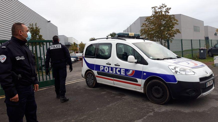 Agression de policiers à Herblay : l'homme interpellé à Nanterre mis en examen pour tentative de meurtre