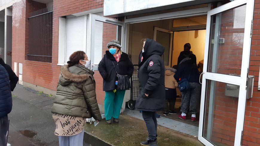 Seine-Saint-Denis Habitat distribue 1.000 colis alimentaires aux locataires