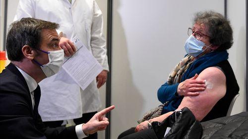 Jean Castex reconnaît des retards dans la livraison des vaccins en France