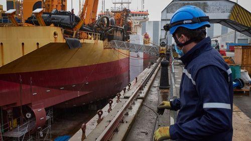 Abandon du projet de rachat des Chantiers de l'Atlantique : soulagement des syndicats et élus, ils craignaient de perdre des emplois et des technologies face à l'Italie et la Chine