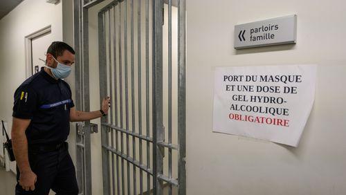 Le nombre de cas de Covid-19 chez les détenus a augmenté de 165% en un mois