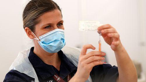 Vaccins anti-Covid : bras de fer entre l'Union européenne et AstraZeneca