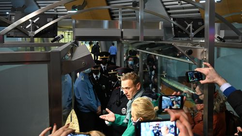 L'arrestation d'Alexeï Navalny, du tragique à l'absurde