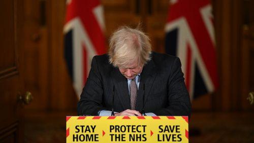 Le Royaume-Uni franchit le seuil des 100 000 morts, la pression du variant anglais du Covid s'exerce aussi en France