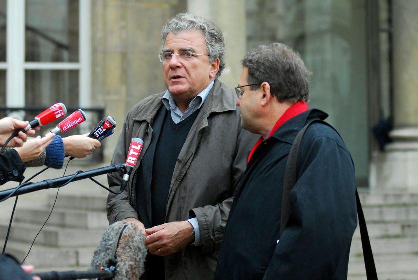 Olivier Duhamel au sortir de l'Elysée le 29 octobre 2007. Alors membre du Comité de réflexion et de proposition sur la modernisation et le rééquilibrage des institutions, appelé plus communément comité Balladur, créé par Nicolas Sarkozy.