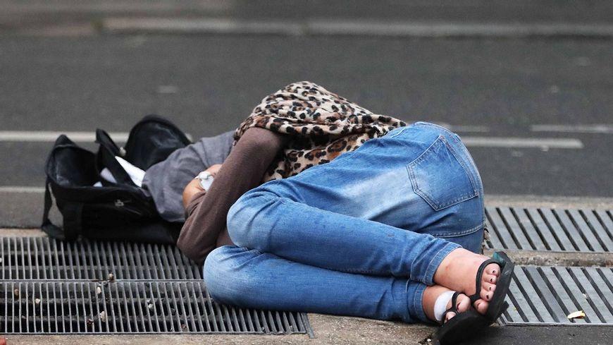 Une femme sans-domicile (photo d'illustration)