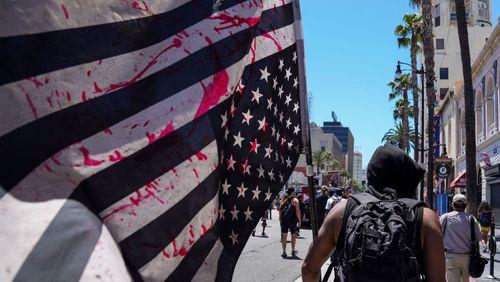 Etats-Unis : une droite et une gauche radicalisées