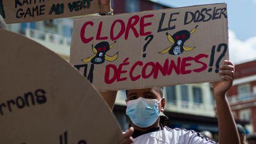 """Scandale du chlordécone : plusieurs milliers de manifestants en Martinique contre """"l'impunité"""" ce samedi"""
