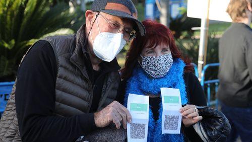 """Covid-19 : Israël impose le """"passeport vert"""" vaccinal pour revenir à une vie normale"""