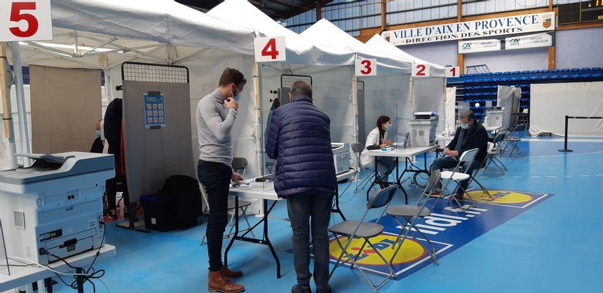 COMPÉTENCES SEXUELLES arrêt des premières injections au centre de vaccination d'Aix-en-Provence