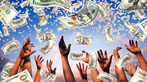 L'universel et le revenu du même nom