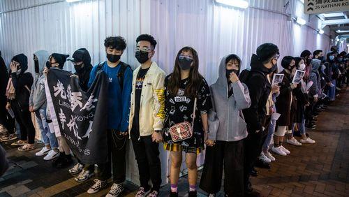 À Hong Kong, la double peine des jeunes de 20 ans