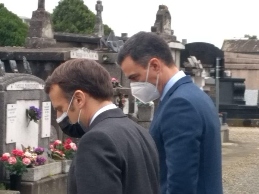 Emmanuel Macron y Pedro Sánchez se reunieron junto a la tumba de Manuel Azaña.