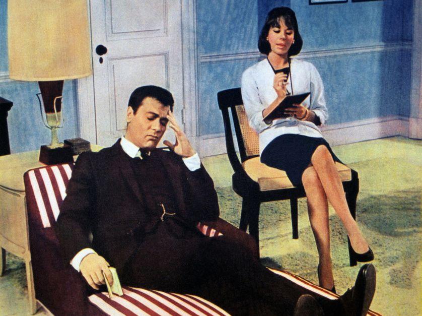 """Illustration du film """"Sex and the Single Girl"""", avec Natalie Wood, Tony Curtis, Lauren Bacall et Henry Fonda (1964)."""