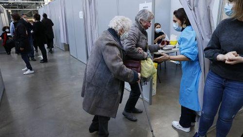 La vaccination bat son plein dans les départements sous surveillance renforcée