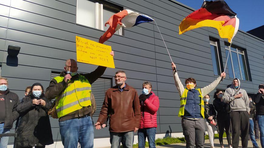 Des allemands faisaient partie du cortège de soutien aux frontaliers